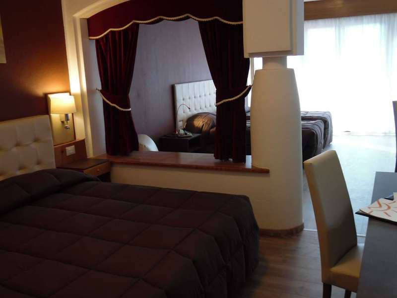 Hotel con piscina Canazei